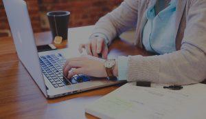 girl_desk